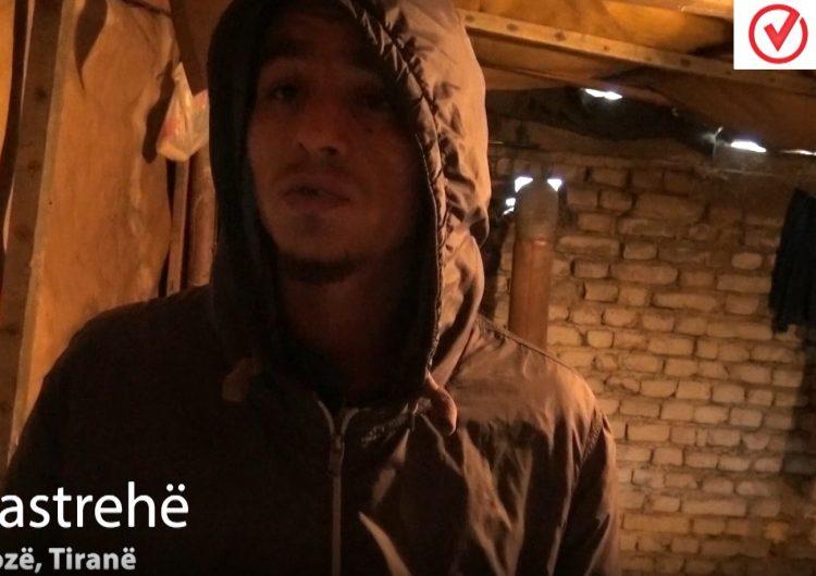 Komuniteti rom ende jeton në tenda