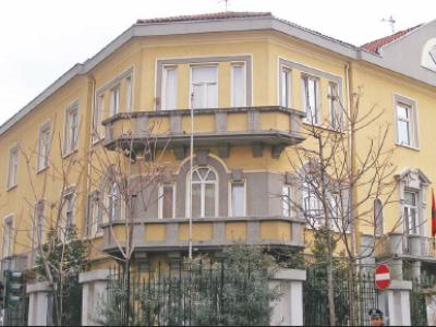 Mbyllja e klasave kolektive, Ministria e Arsimit nuk jep përgjigje