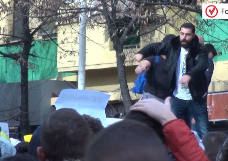 VIDEO/ Studentët në ditën e 7-të të protestës: Nuk tërhiqemi