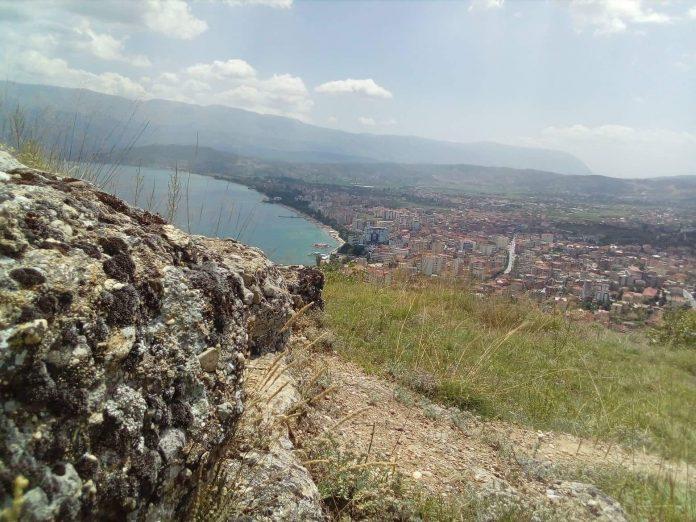 """Kalaja 1400-vjeçare e Pogradecit """"s'ka parë kurrë me sy'' investime"""