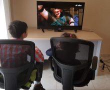 Fëmijët shqiptarë të traumatizuar nga imazhet televizive
