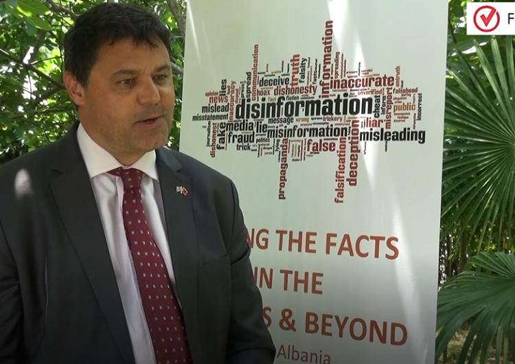 Zv.Ambasadori britanik Melbourne: Disinformimi minon besimin tek institucionet
