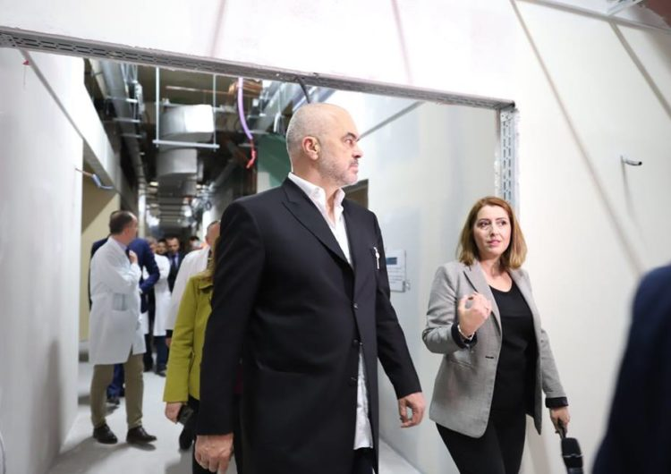 Spitali i ri kirurgjikal në QSUT s'është gati, u premtua vënia në punë brenda qershorit