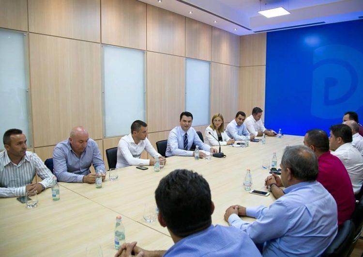 Konstituimi në bashkitë e opozitës, kryetarët në ikje 'urtë dhe butë'