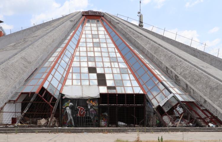 Rikonstruktimi i piramidës, gënjeshtër e vazhdueshme e kryebashkiakut të Tiranës
