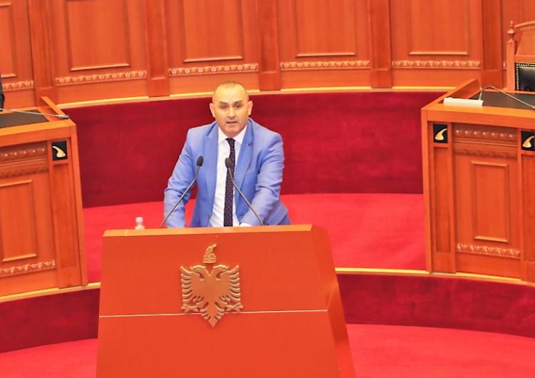 Gënjeshtrat radhazi të Ulsi Manjas për funksionimin e Gjykatës Kushtetuese