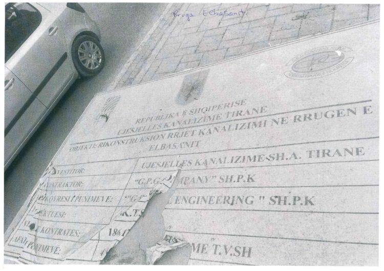Bashkia Tiranë kujtohet të vendosë tabelat në kantieret e punëve publike